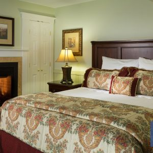 Waterview Grand Suite – ADA Accessible